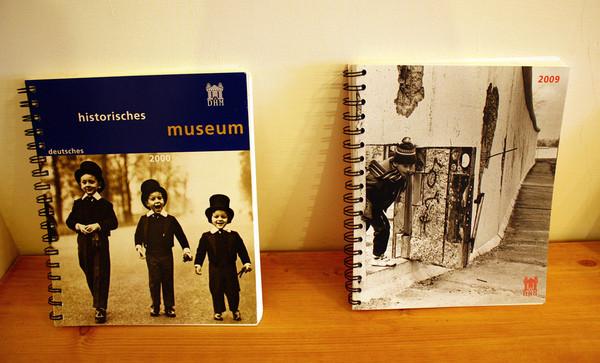 顾著拍照 几乎都是可爱的家饰及手工书.