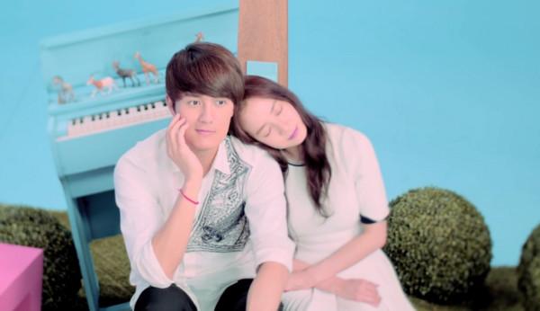 新闻  吴克群,宋智孝合作的话题单曲《你好可爱》,20日中午无预警首播