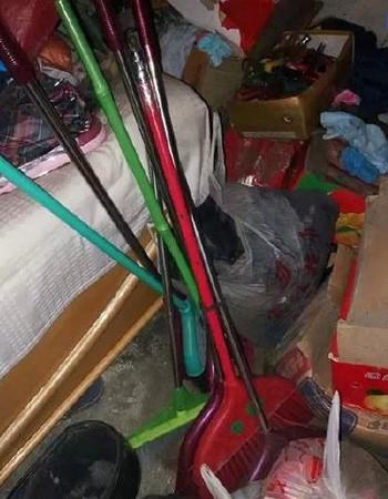 的牙刷偷_因为屋子里塞满偷来的生活用品, 除了扫把,拖把,牙刷,肥皂,毛巾,还有
