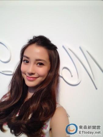 杨颖清纯可爱照片