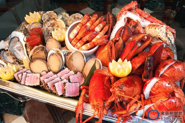 乾元汤怎么喝_还能享用桌边服务的主厨秘制海鲜汤,饕客也可加点toscana最经典的乾式
