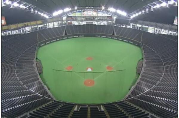 怎麼办到?札幌巨蛋棒球场变身足球场 缩时摄影说分明