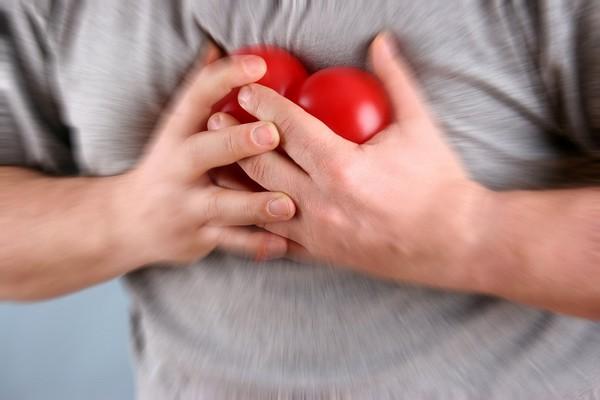 心痛,心絞痛,心臟病。(圖/達志/示意圖)