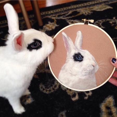 就利用羊毛毡创作动物肖像画,拟真程度保证让你吓一跳!