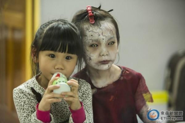 「魔神仔」本尊卸妆!发型小女孩曝光后CUTE到2016女生中发红衣流行图片
