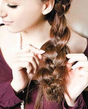 村姑辫子也能塑造女神发型! 简单3步骤编出韩星味