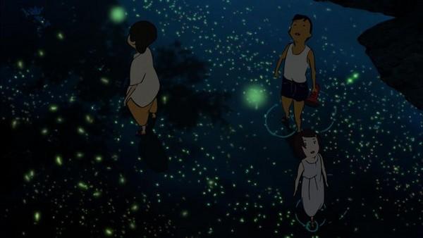 其中一慕大量萤火虫的飞舞画面,也都是由画师一个个绘制上去,而非电脑