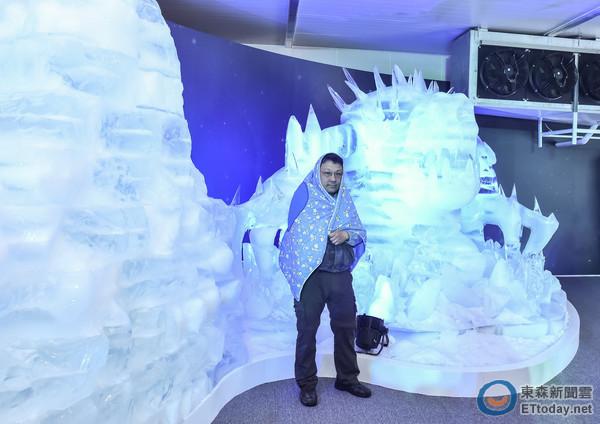转个弯马上发现可爱的雪宝踪影,在这你还可以找到精灵山谷,雪怪守卫