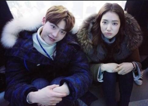 朴信惠、李鍾碩「3年戀情」敵不過「遠距離」簡訊談分手