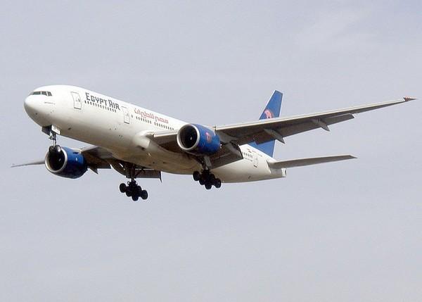 快讯/埃及航空客机遭持枪劫机 62名乘客迫降赛普勒斯