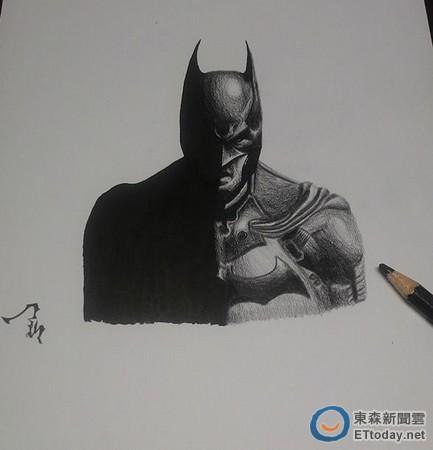 萌弟抿嘴晒蝙蝠侠手绘图「我今年15岁,将来想当画家!」