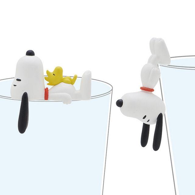 杯缘子太夯惹~连史努比都想趴杯子边抢风采了!