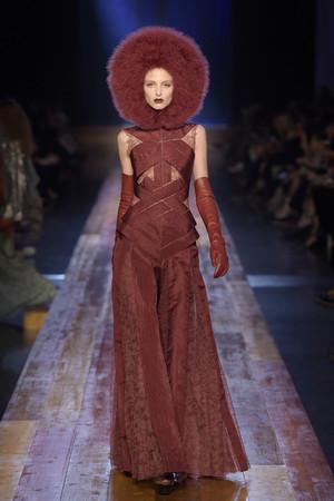 高订周/jean paul gaultier的森林系女人 头饰好童话图片