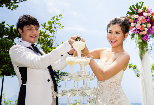 「海岛婚礼」夯!大明星超哈