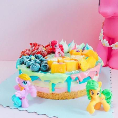 最受欢迎的乳酪蛋糕类型则是「彩虹小马水果乳酪」