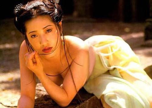 人体艺木欣赏杨思敏_杨思敏在1995年《新金瓶梅》中饰演潘金莲.(图/翻摄自网路)