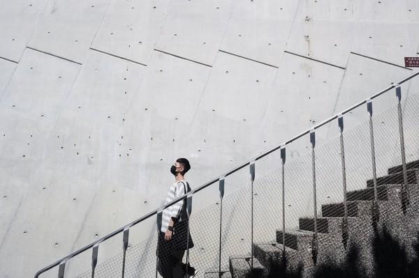 意境照都在这里拍!十三行博物馆里步步惊心的灰色长梯