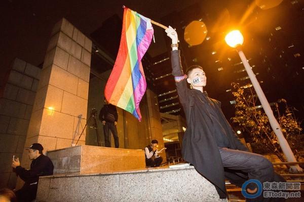 25万人日前在凯达格兰大道,为婚姻平权站出来.(图/记者季相儒