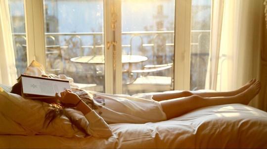 ▲歐陽娜娜大長腿。(圖/翻攝自歐陽娜娜IG)