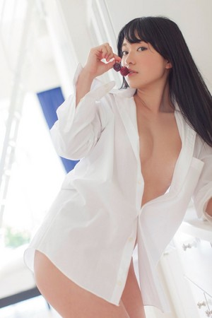女生穿白衬衫很性感? a图王:若隐若现的内衣胖次.
