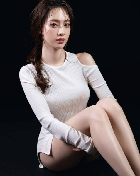 韩国女主持梁定原拥天使脸孔+酥胸 气质满点让网友脸爱了!