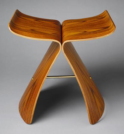 日本知名工业设计大师柳宗理,经典作品「蝴蝶椅」.(翻摄自网路)