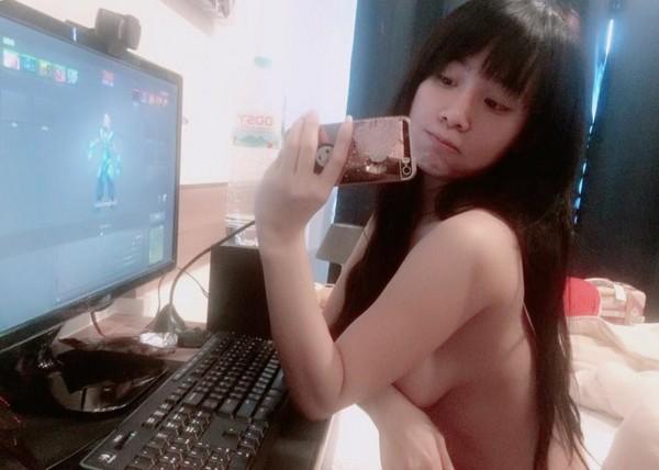 巨乳泰國網紅「擁超清純臉孔」 自拍性感裸照誰受得了!