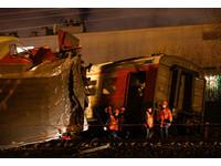 ▲莫斯科發生列車追撞意外,造成50人受傷、6人命危。(圖/路透社)