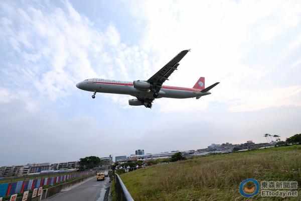 飛機唔是五星級飯店 空服員希望la停止既21件事  [集旅遊資訊廣益),香港交友討論區