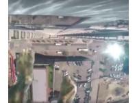 40樓高空中透明泳池。(圖/翻攝自Market Square Tower臉書粉絲團)