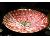 ▲爭纖涮涮鍋餐點。(圖/記者華少甫攝)