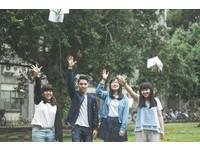 IG打卡熱點多一個? 小情侶在台大校園拍出韓劇劇照