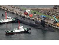 美軍核潛艦密西根號到達南韓釜山海軍基地。(圖/路透社)