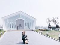 台中秀泰廣場二館白色水晶教堂。(圖/網友ig chi_840104提供,請勿任意翻攝,以免侵權)