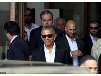 obama受邀出席研討會,身穿時髦西裝(圖/取自CFP)