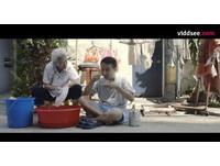 新加坡導演Sun Ji幾年前拍一部描述祖孫情的《1萬碗》(Ten thousand bowls)短片。(圖/viddsee授權提供)