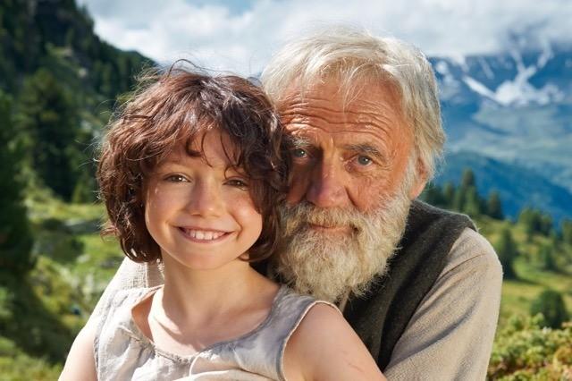 官方释出的少女与爷爷的照片.(图/翻摄自