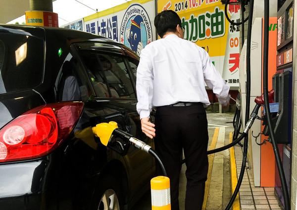 加油,加油站,油價,降價,漲價,加油島,加油機(圖/記者張一中攝)