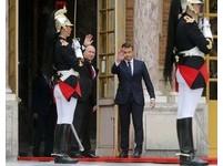 ▲法國總統馬克宏與俄羅斯總統普丁會面。(圖/路透社)