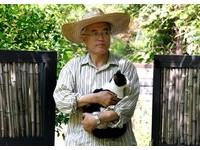 ▲南韓總統文在寅與愛貓「晶晶」。(圖/翻攝自文在寅粉絲專頁)