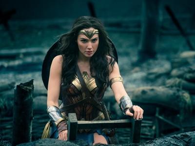 《神力女超人》破百亿 盖儿加朵片酬却「比超人低46倍」