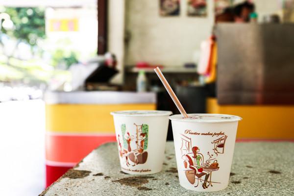 早餐店,飲料,冰紅茶,冰奶茶(圖/記者周宸亘攝)