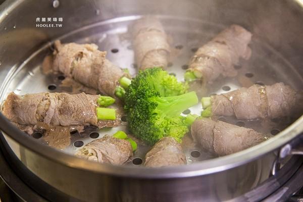 海陸雙享!台南清蒸海鮮塔暖鍋 尚有桌邊現煎牛排