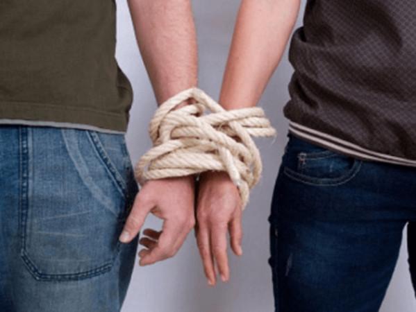 人为什麽犯贱?被劈腿N次还不分手…绑架爱情的5种牢笼