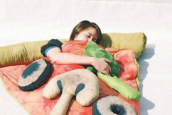 ▲手工比薩睡袋。(圖/翻攝etsy.com)