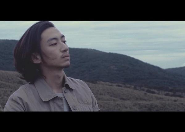 求类似肏我我电影_他与草东成员们是北艺大电影系同学,当初拍摄前还不清楚草东的音乐风