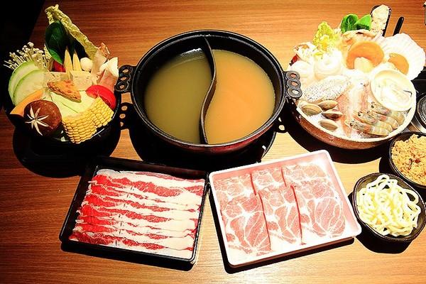 台北主打龍蝦海鮮的暖鍋店 尚有隱蔽版「黃金蟹」!