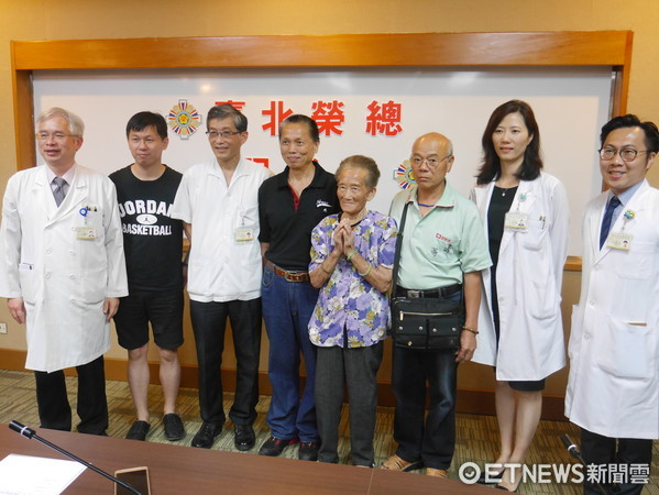 ▲89歲奶奶罹胰臟頭癌 達文西手術切12指腸免留30公分疤。(圖/記者嚴云岑攝)