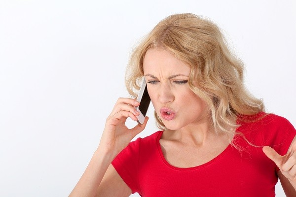 講電話,吵架,爭執,手機,說話(圖/達志/示意圖)