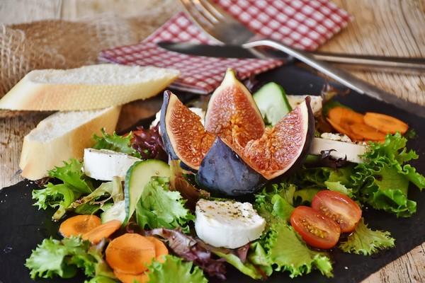 ▲四個飲食準則顧好你的腸道,遠離大腸癌的威脅。(圖/Cofit文章配圖)